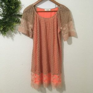 Umgee Beige/Peach Short Sleeve Lace Tunic Dress